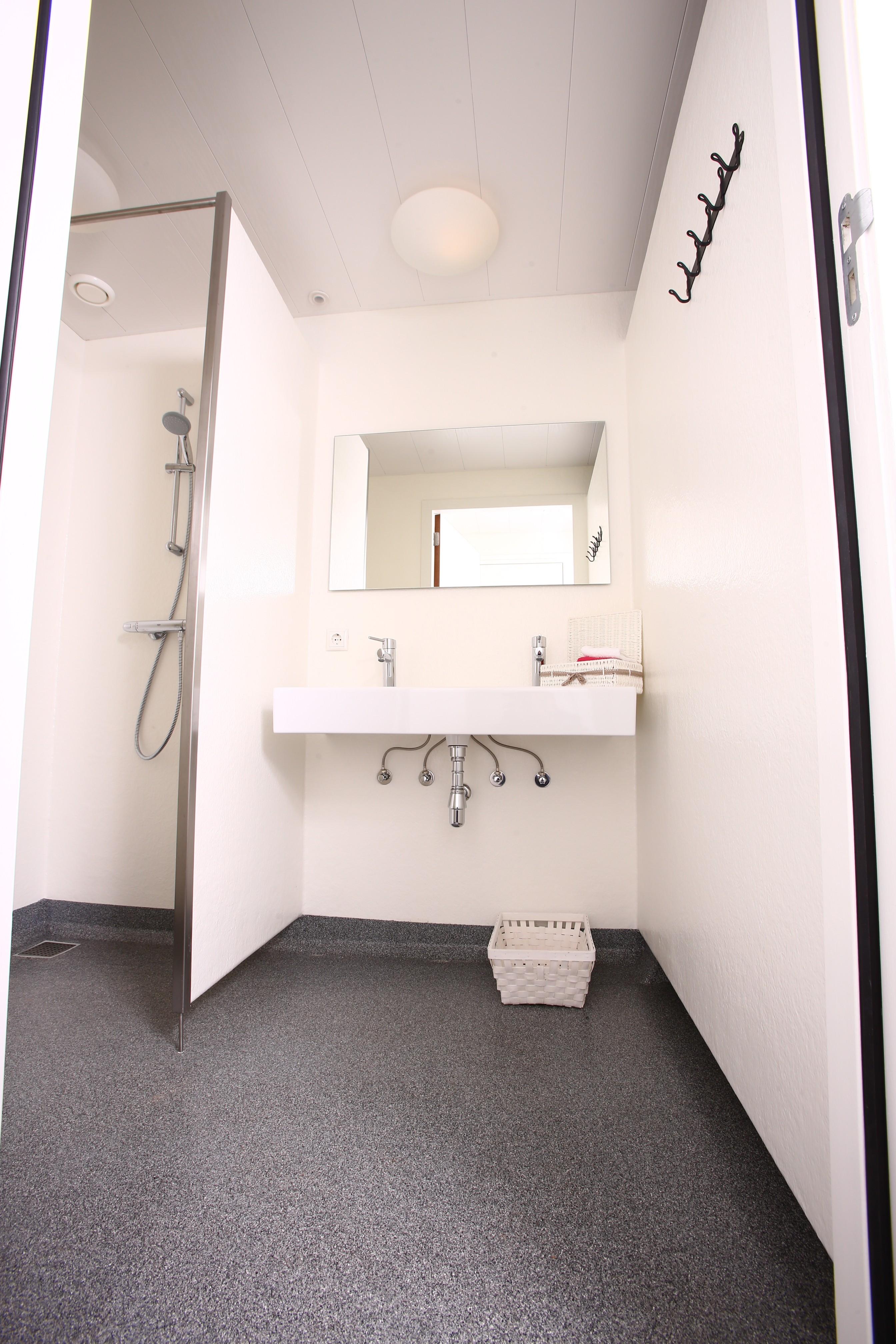 Stunning Polyester Badkamer Ideas - Huis & Interieur Ideeën ...
